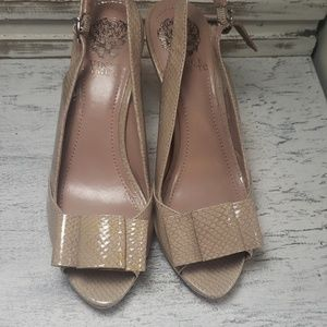 Vince camuto snake skin heels new sz 6.5